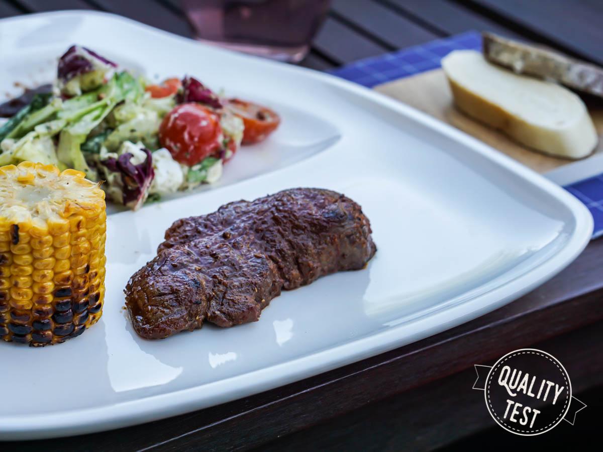 21 stek z grilla - Nowoczesne grillowanie - od przepisów po zastawę