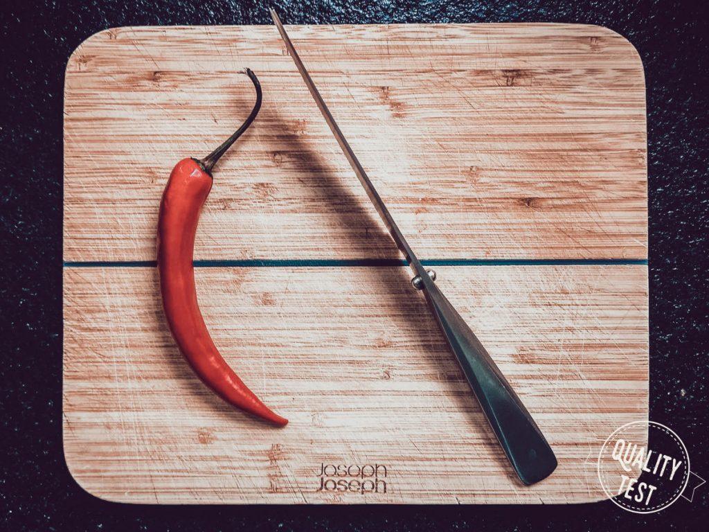 Desk Joseph Joseph Chop2Pot na stole 1024x768 - Deski kuchenne do zadań specjalnych od Joseph Joseph