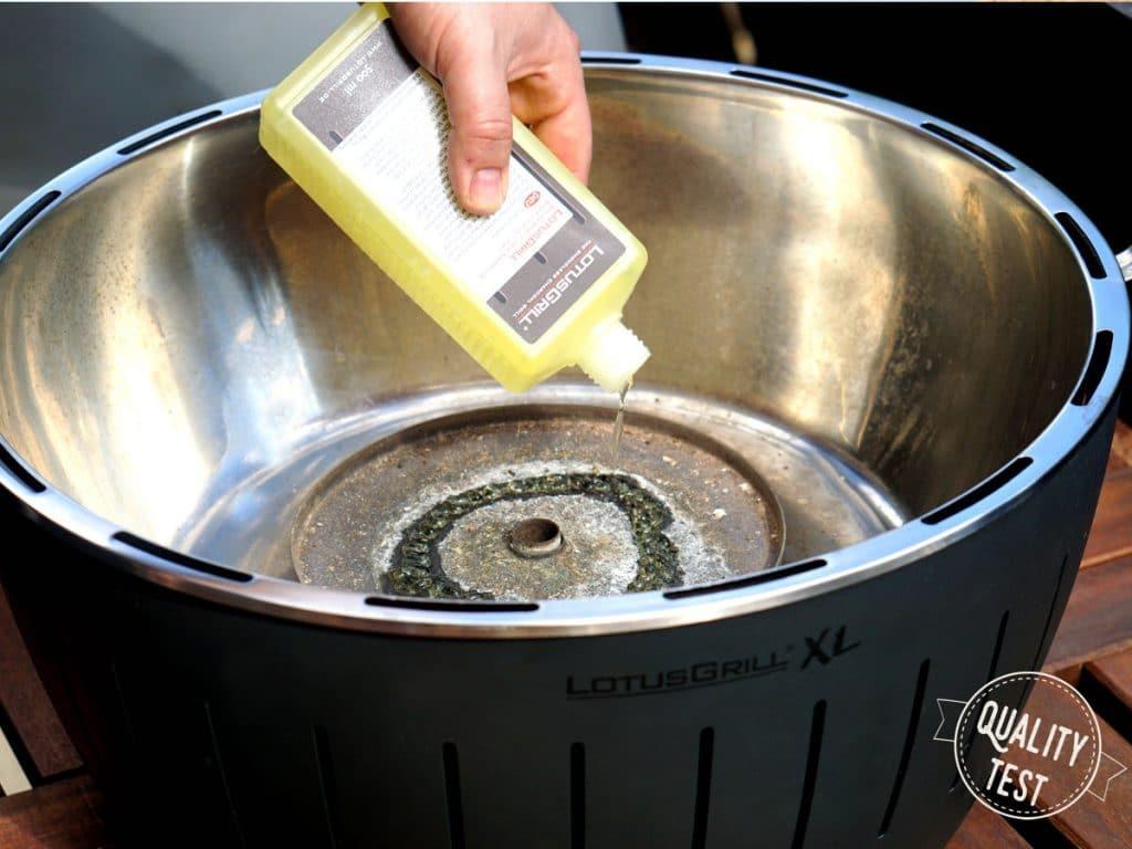 LotusGrill podpałka 1024x768 - LotusGrill – Innowacyjny grill na każdą pogodę