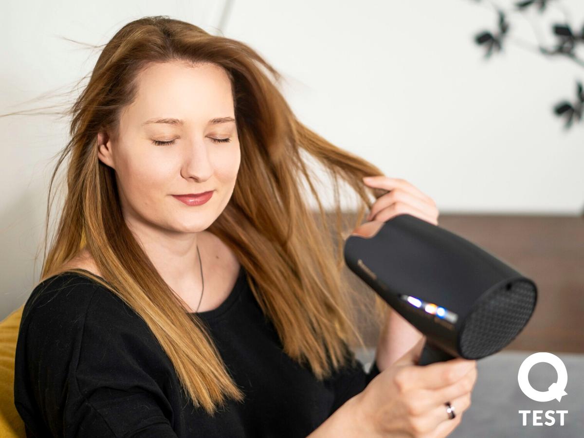 Panasonic EH NA98 nawilzanie twarzy 3 - Suszarka do włosów Panasonic EH-NA98 – pielęgnacja włosów i… skóry