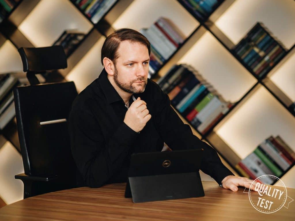 Spotkanie businessowe 1024x768 - Icy Box – stacja dokująca do laptopa dla wymagających