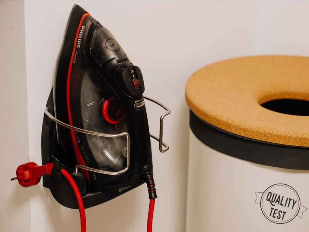 Wieszak na żelazko 1024x768 - Wygodne pranie z Brabantia
