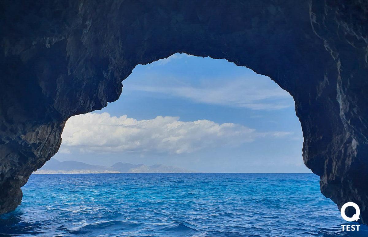 blekitne groty 3 - Zakynthos – co warto zobaczyć na wakacjach w grecji?
