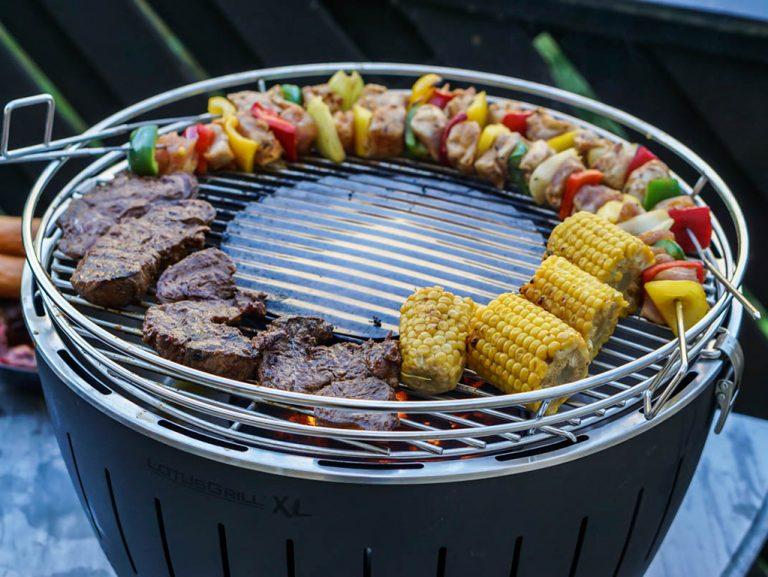 grill glowne 768x577 - Nowoczesne grillowanie - od przepisów po zastawę