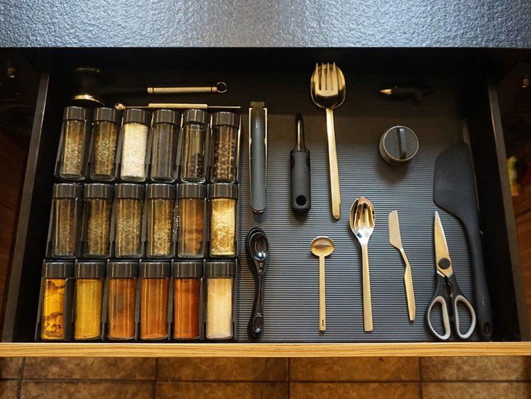 przyprawy glowne3 768x577 - Organizacja kuchni - od czego zacząć?
